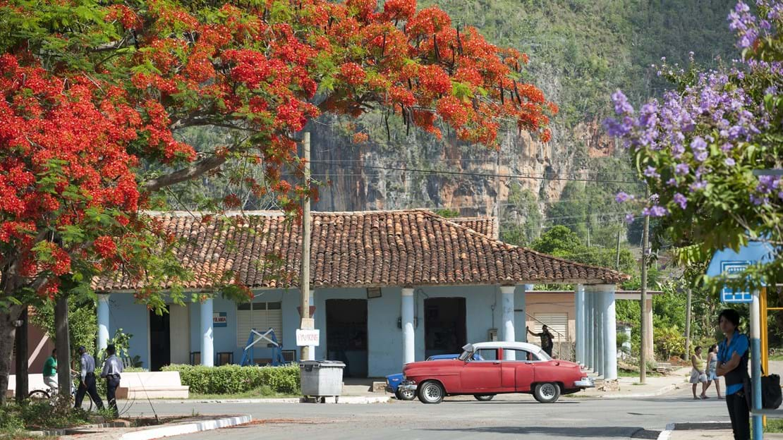 shutterstock_301205285 Vinales -Small town.jpg