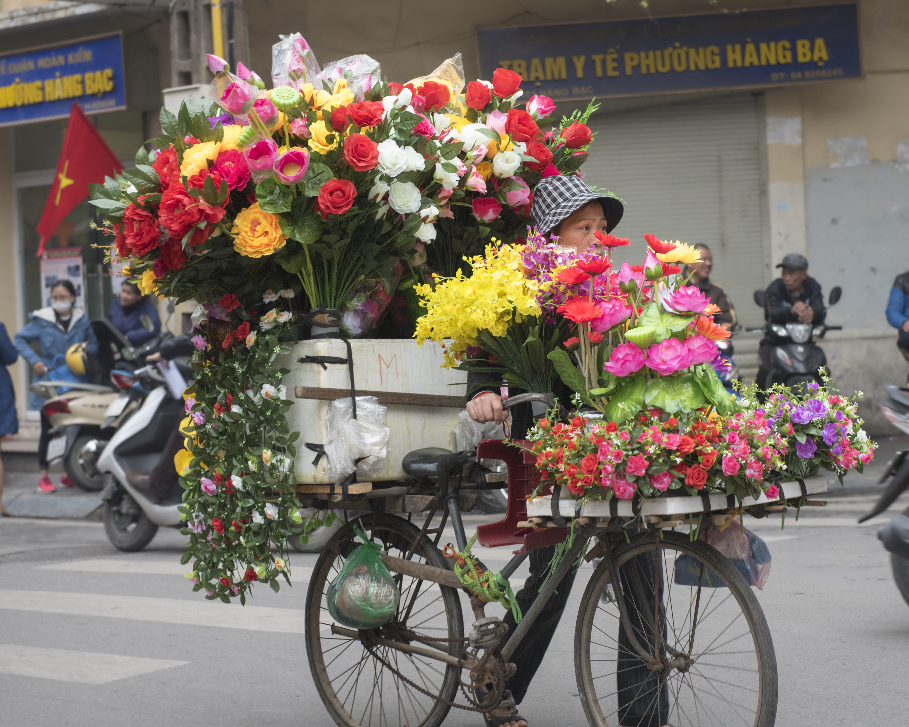 Vietnam cykel med blomster, check point travel
