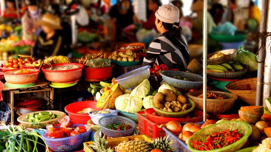 shutterstock_267351125 Colorful vegetables for sale at the Central Market of Hoi An, Vietnam.jpg