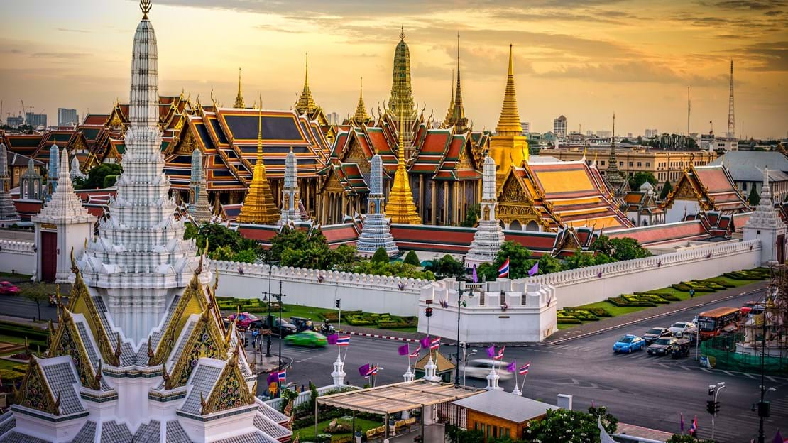 shutterstock_299388287 Grand palace and Wat phra keaw at sunset bangkok, Thailand.jpg